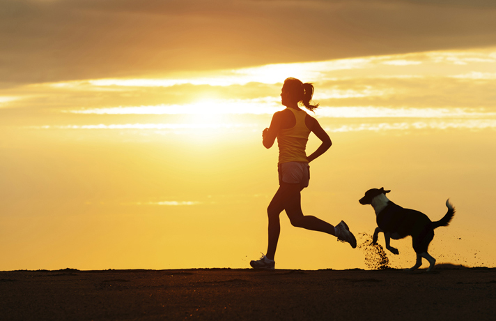 Run_With_Dog_Dog_1022_MH_MZ_LC
